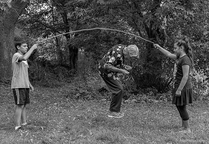 Este fotógrafo hizo de su madre de 91 años parte de su trabajo logrando una nueva visión de la vida 03