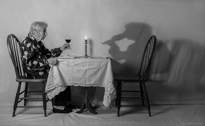 Este fotógrafo hizo de su madre de 91 años parte de su trabajo logrando una nueva visión de la vida 06