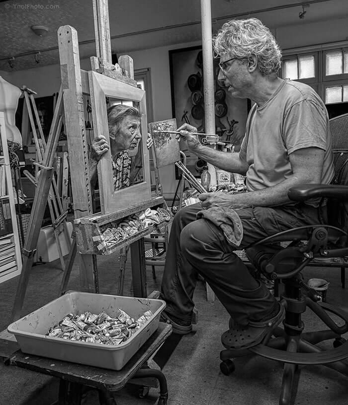 Este fotógrafo hizo de su madre de 91 años parte de su trabajo logrando una nueva visión de la vida 07