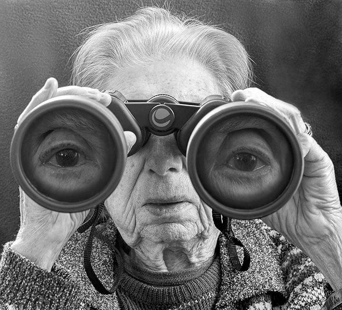 Este fotógrafo hizo de su madre de 91 años parte de su trabajo logrando una nueva visión de la vida 08