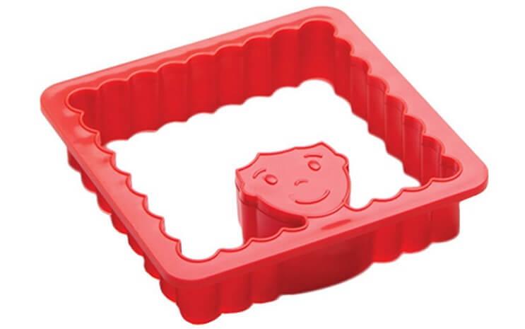 Este molde de galletas permite que uno practique sus habilidades de barbero con los dientes 09
