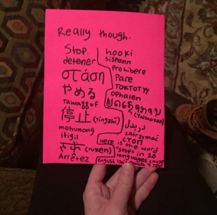 Excelente invitación de una niña a las chicas que le hacían bullying a su hermana mayor 03