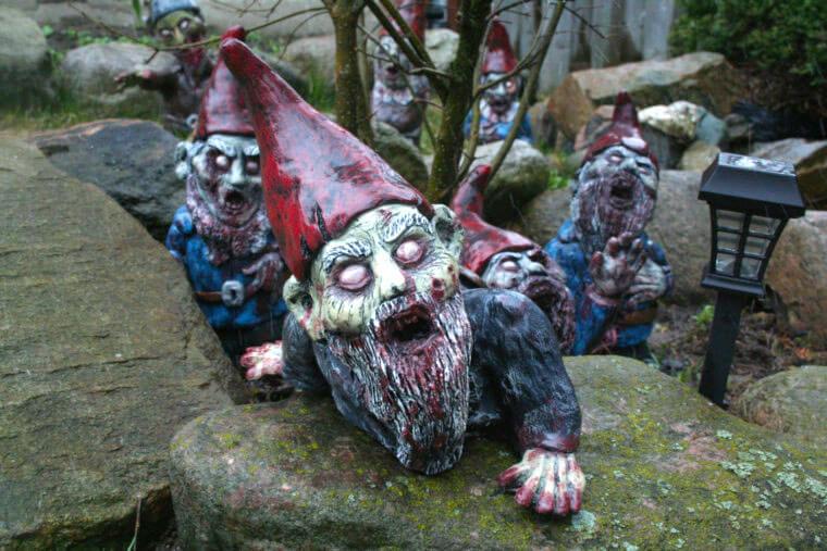 Fanático de los zombis Estos adornos para tu jardín te encantarán 02