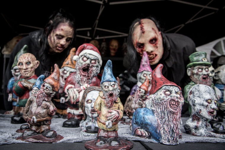 Fanático de los zombis Estos adornos para tu jardín te encantarán 11