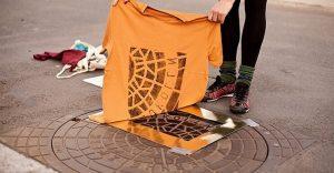 Mira estos alucinantes diseños creados con objetos de la calle