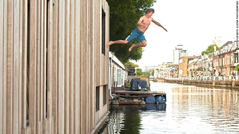 Nuevas construcciones de casas flotantes te inducirán directo a la vida marina 03