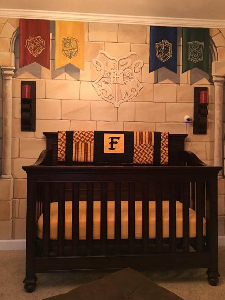 Padres construyen un cuarto de Harry Potter para su pequeño mago 006