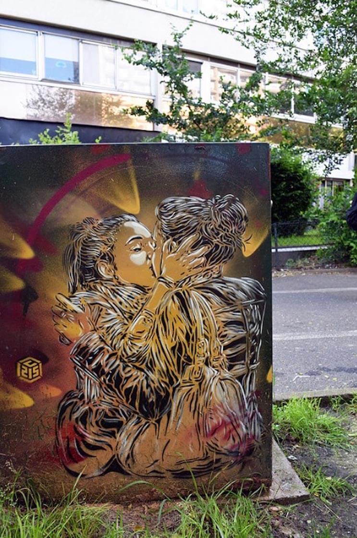 Tributo a las mujeres más poderosas por el artista urbano C215 12
