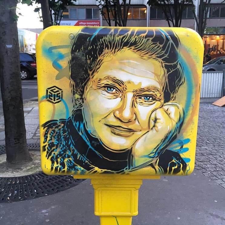 Tributo a las mujeres más poderosas por el artista urbano C215 2 6