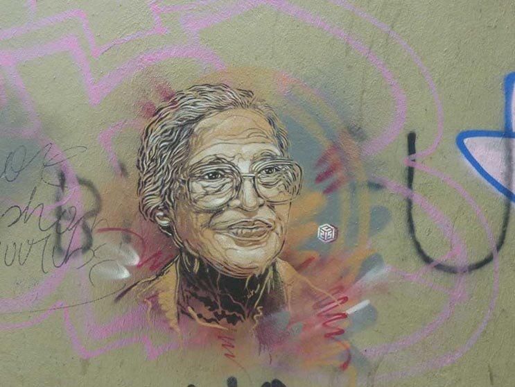 Tributo a las mujeres más poderosas por el artista urbano C215 2