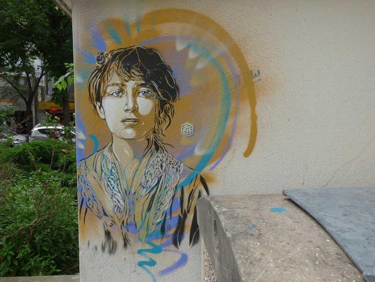 Tributo a las mujeres más poderosas por el artista urbano C215 4