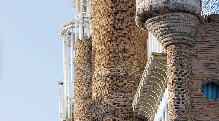 Un hombre ha pasado 53 años construyendo una catedral con sus propias manos 5
