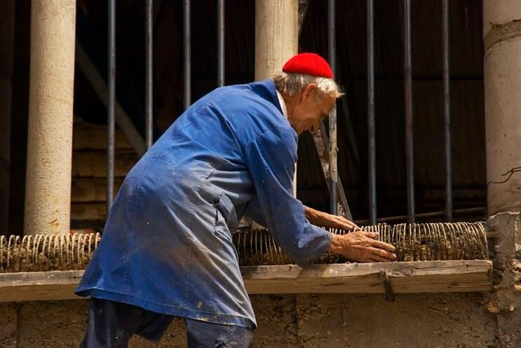 Un hombre ha pasado 53 años construyendo una catedral con sus propias manos - Justo Gallego