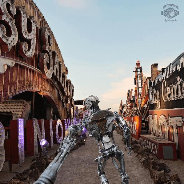 "Una pareja de robots parodia la cuenta ""Follow Me"" de Instagram 06"
