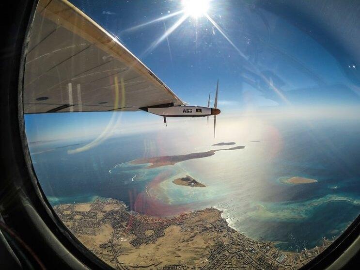 ¡Increíble! Este avión ha dado la vuelta al mundo sin una sola gota de gasolina 10