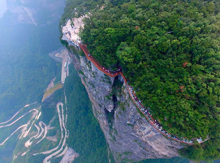 Aperturan pasarela de cristal en China 4