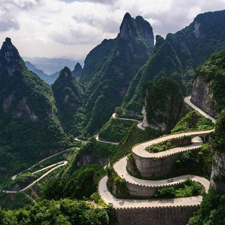 Aperturan pasarela de cristal en China 5