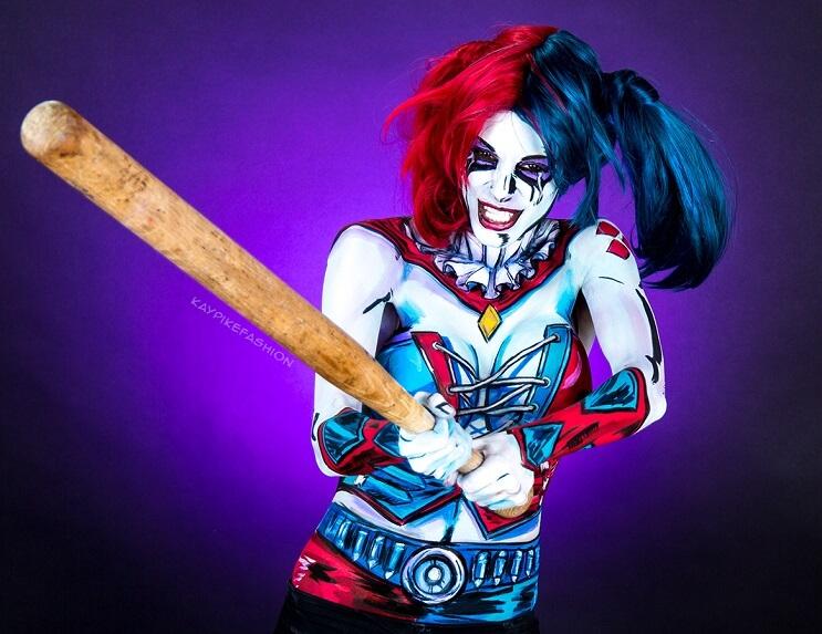 En cuestión de minutos, artista se transforma en Harley Quinn 2