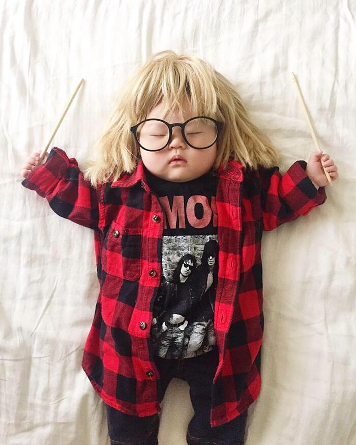 Esta bebé se ha convertido en toda una modelo de Instagram entre siesta y siesta garth