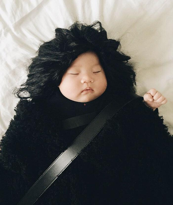 Esta bebé se ha convertido en toda una modelo de Instagram entre siesta y siesta jon snow