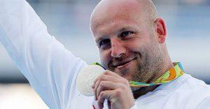 Este atleta decidió subastar su medalla de Río 2016 por un motivo que no lo creerán