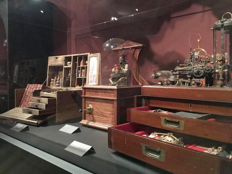 Este museo rinde honor a Guillermo del Toro y luce terroríficamente espectacular 005