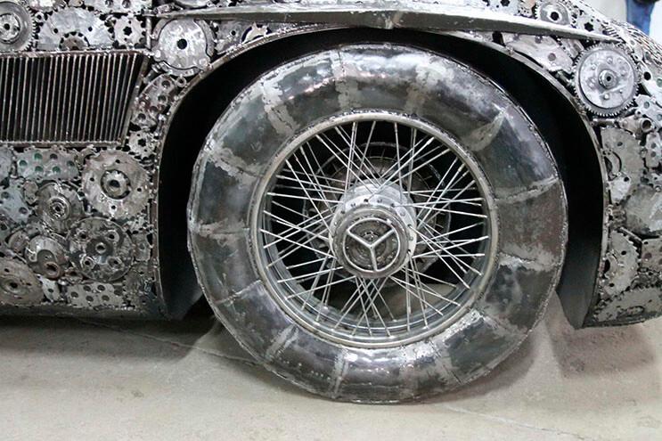 Estos artistas crearon con chatarra los más alucinantes autos 6
