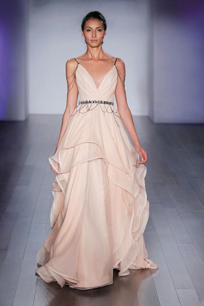 Estos vestidos y estilo harán que desees casarte a lo Game of Thrones 5