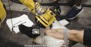 Franceses construyen el primer robot tatuador