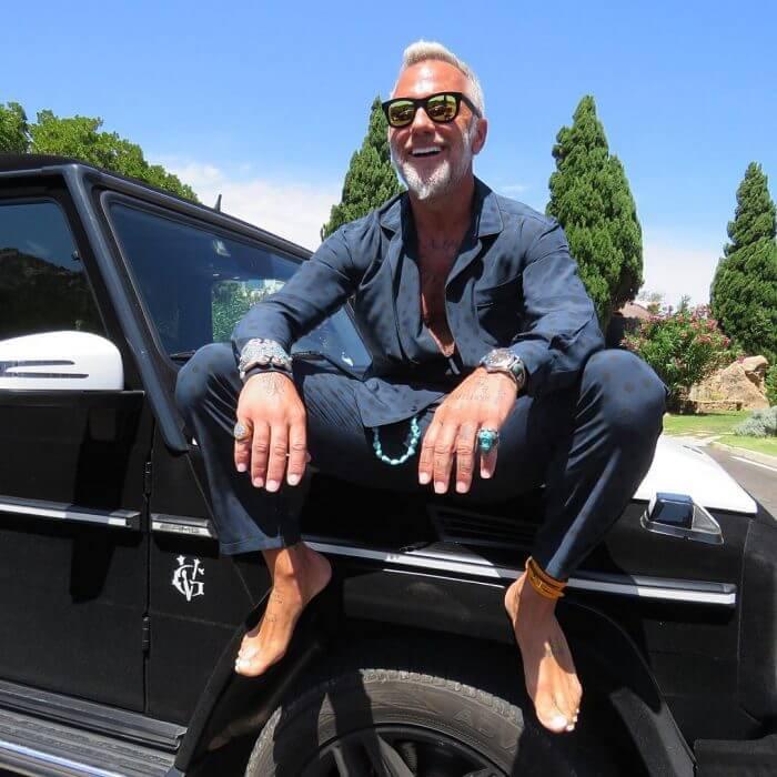 Gianluca es guapo y millonario de 49 años