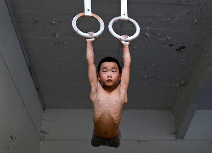 Gimnasia niños China aros