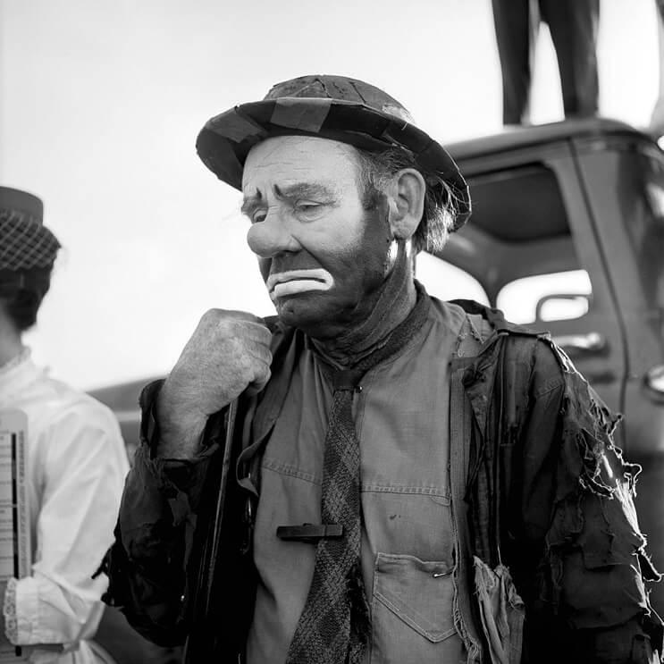 Hombre compra negativos en una subasta y descubre a una de las más importantes fotógrafas del siglo XX 04