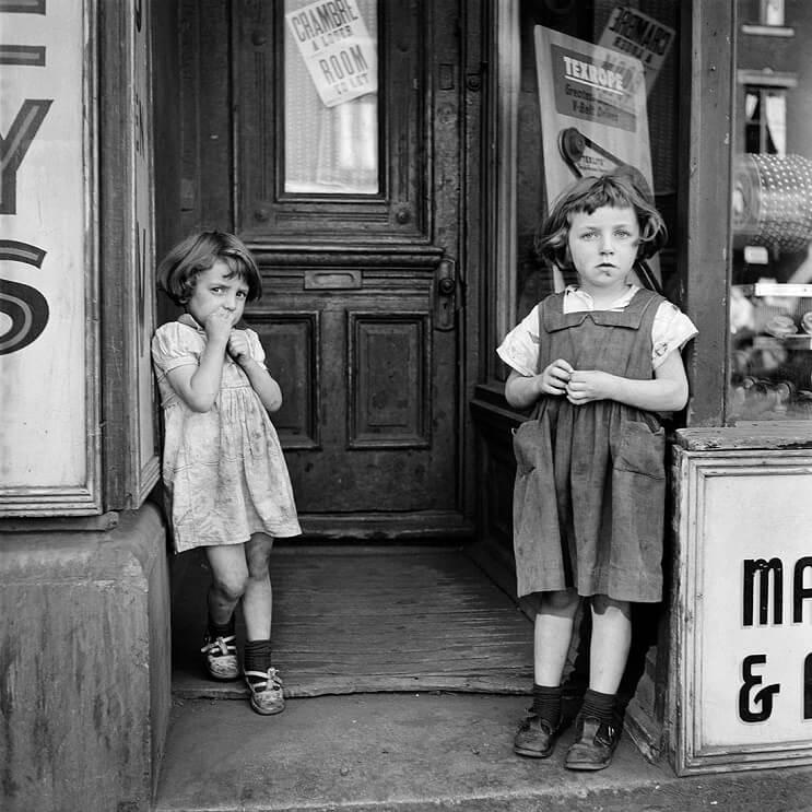 Hombre compra negativos en una subasta y descubre a una de las más importantes fotógrafas del siglo XX 06