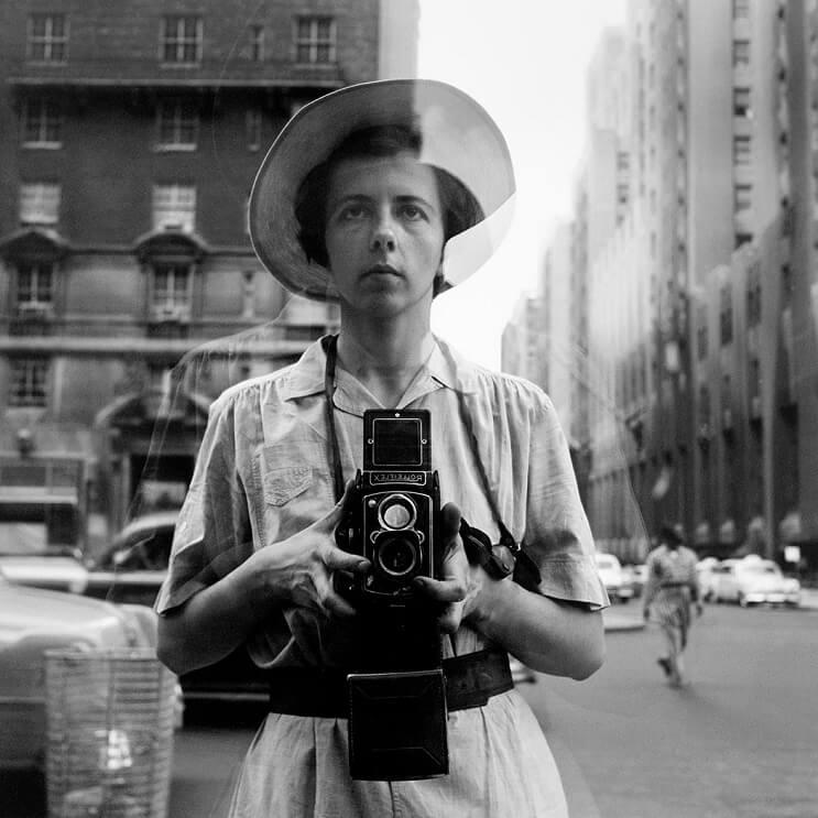 Hombre compra negativos en una subasta y descubre a una de las más importantes fotógrafas del siglo XX 16