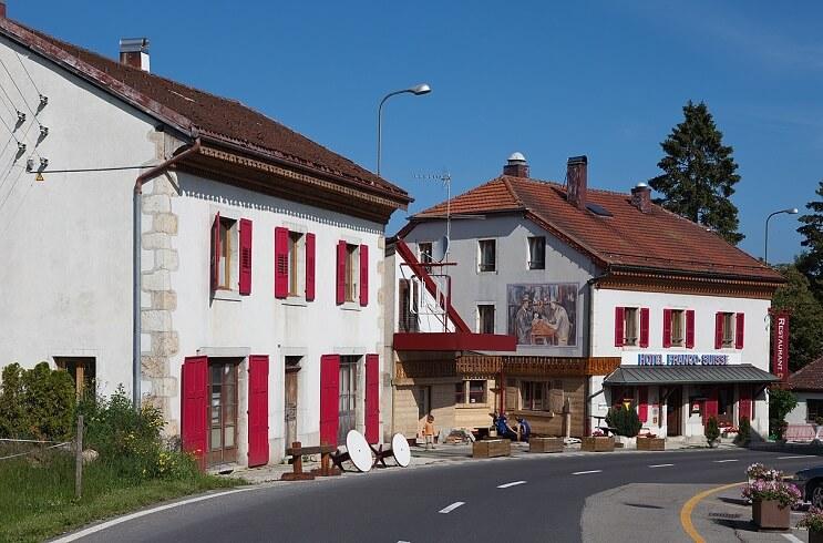 Hotel Arbez frontera Suiza Francia escalera