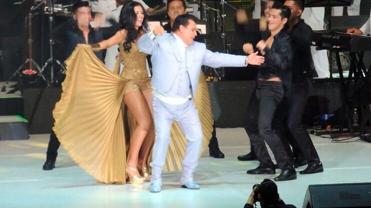 """Juan Gabriel, """"El Divo de Juárez"""", falleció a los 66 años baile"""