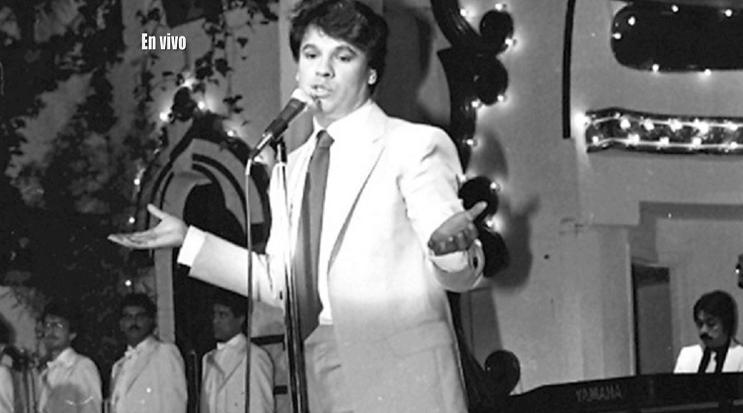 """Juan Gabriel, """"El Divo de Juárez"""", falleció a los 66 años en vivo"""