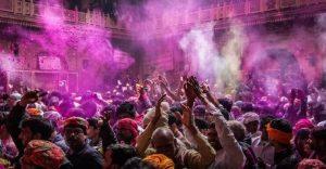 La belleza de la India durante el festival de Holi