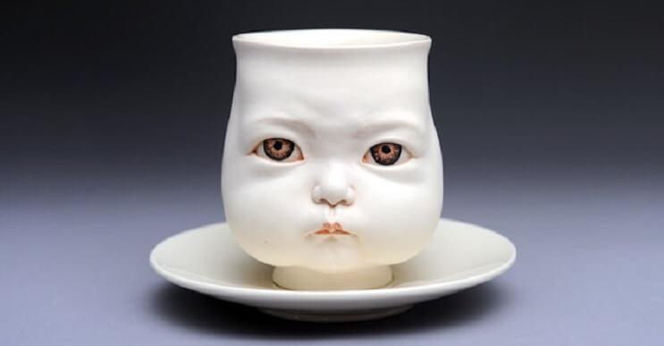 Las extrañas esculturas de cerámica de Johnson Tsang