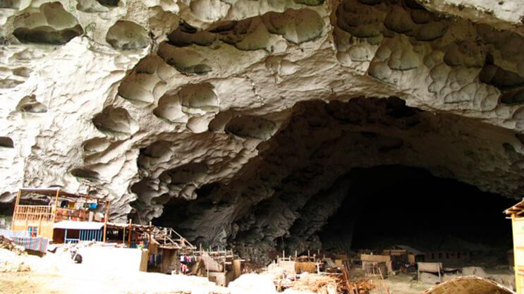 Los aldeanos de esta cueva se niegan a dejar su hogar 9