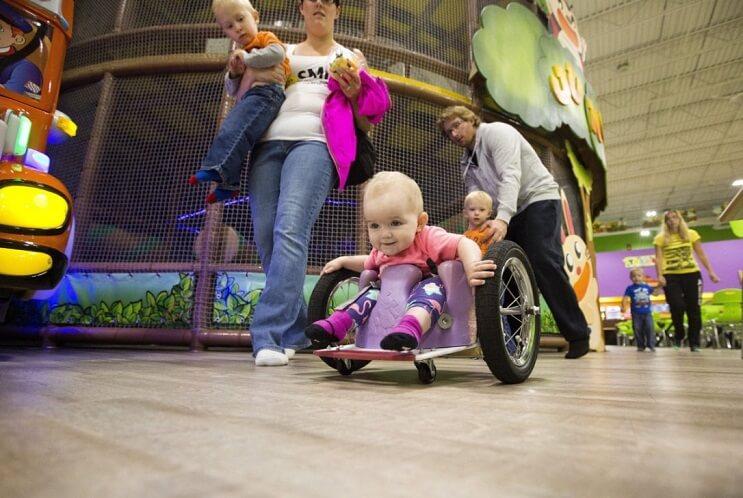 Mama hija silla de ruedas Evelyn Moore Canada