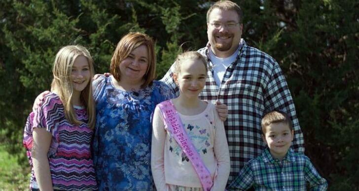 Nadie fue al cumpleaños de su hija y tras un pedido por Facebook  se convirtió en el evento más deseado 02