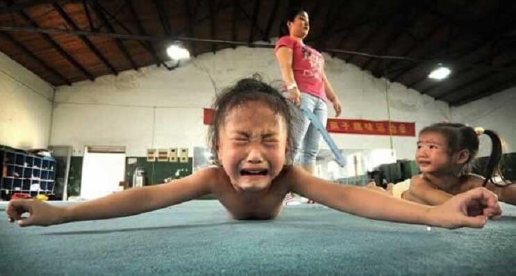 Nina gimnasia en China 3