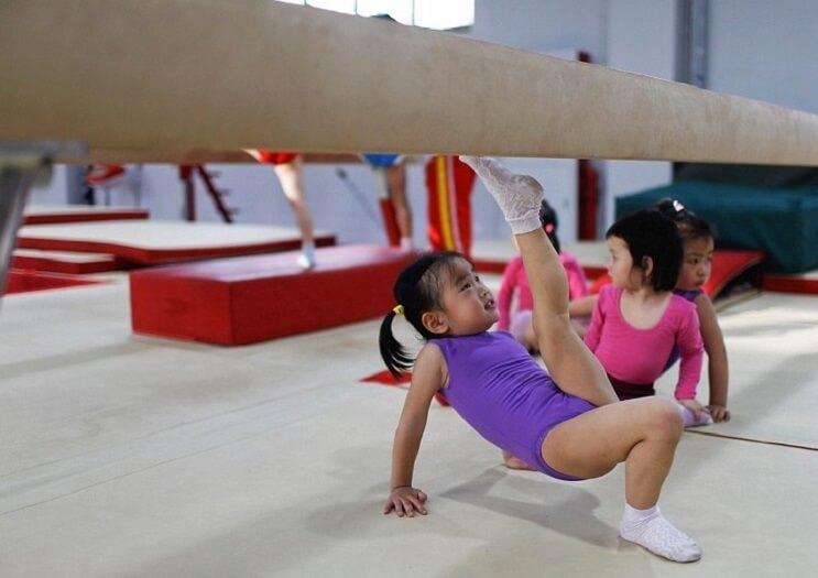 Nina gimnasia en China 5
