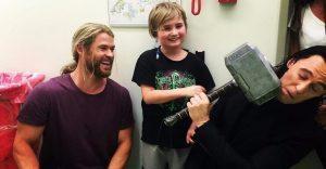 Thor y Loki nos muestran su gran corazón con esta visita que realizaron a un hospital de niños