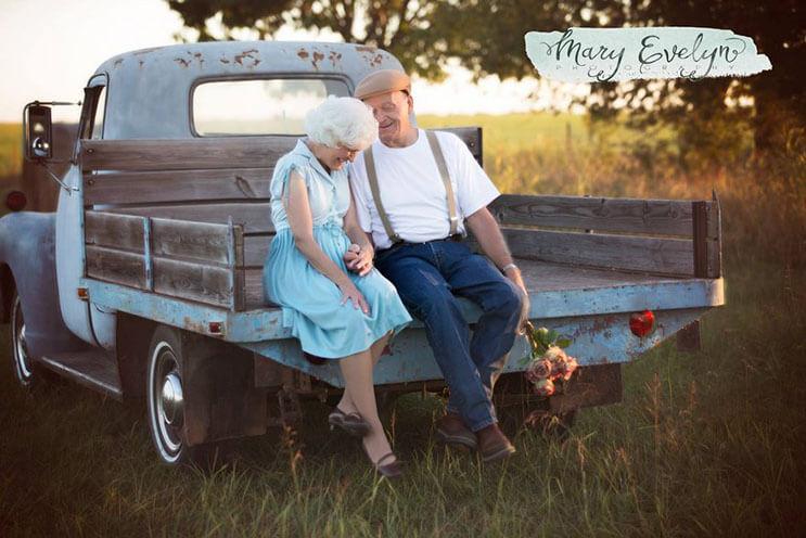 esta-pareja-celebra-57-anos-de-matrimonio-con-una-sesion-que-los-llevo-al-pasado-9