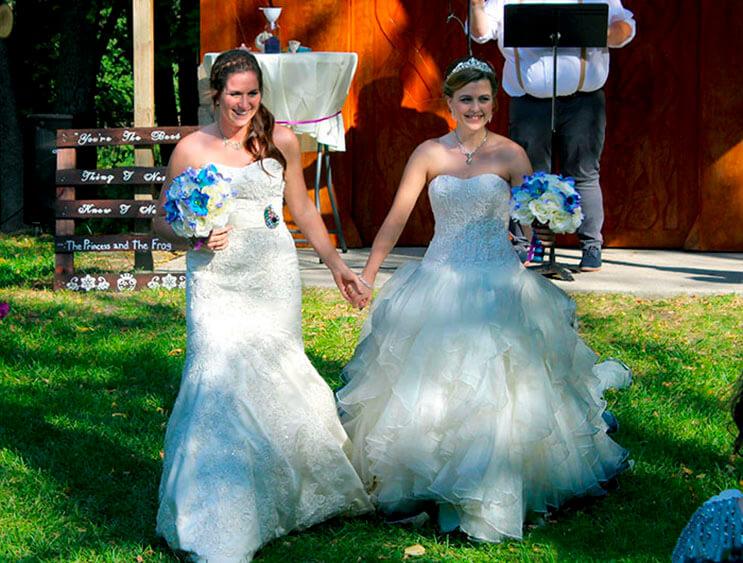 esta-pareja-de-lesbianas-hizo-de-su-boda-un-cuento-de-hadas-1