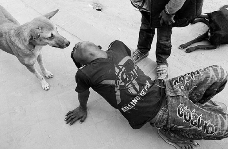 estas-fotos-de-ninos-callejeros-con-sus-perros-nos-muestran-una-gran-leccion-hechado