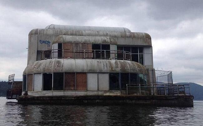 este-mcdonalds-flotante-fue-abandonado-y-alguna-vez-estuvo-considerado-como-uno-de-los-favoritos-02