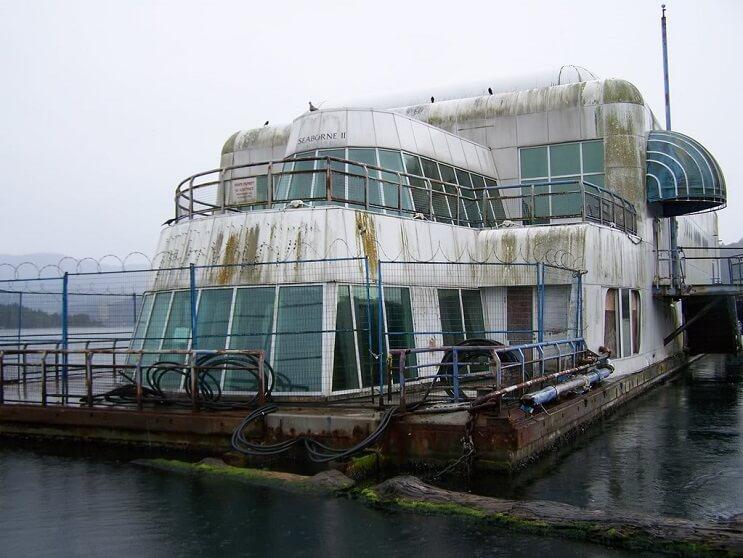 este-mcdonalds-flotante-fue-abandonado-y-alguna-vez-estuvo-considerado-como-uno-de-los-favoritos-07